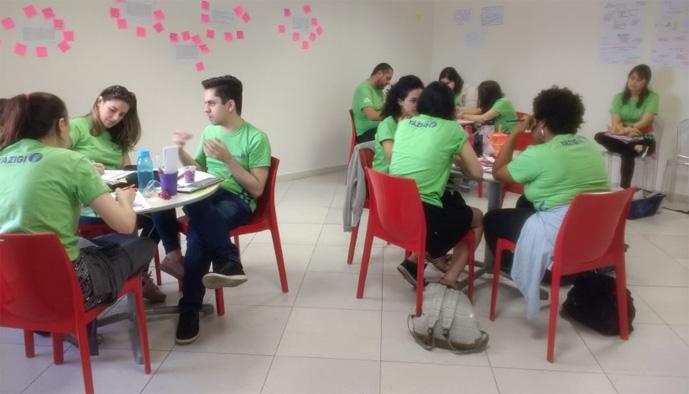 Equipe do Yázigi Ruy Caneiro em capacitação _ baixa